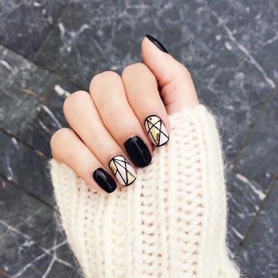 Uñas Negras con Dorado