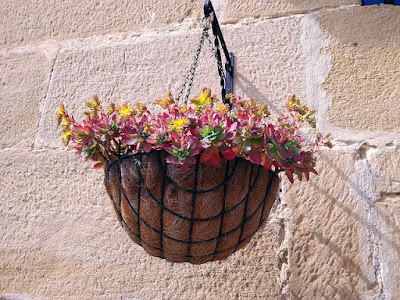 Home Decor Details on home decor pictures and home decor tips Hanging flower pots