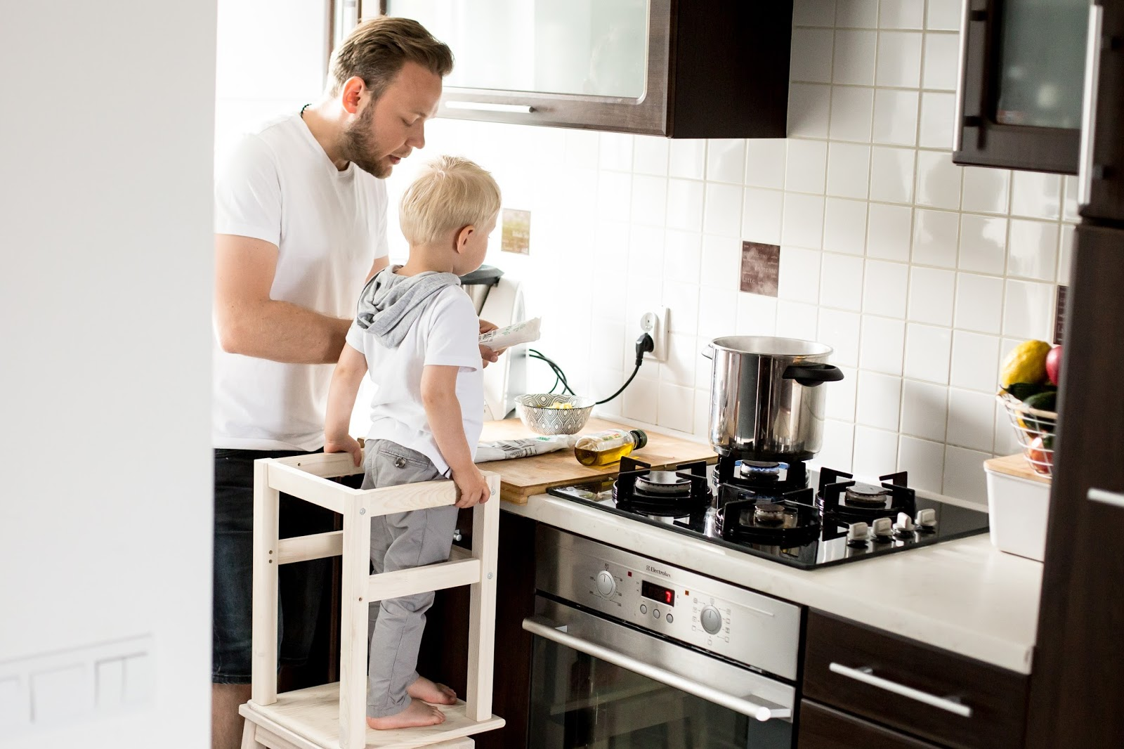 Mały Pomocnik W Kuchni Learning Tower Podest Dla Dziecka