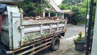 jasa-buang-sampah-kantor-kota-surabaya