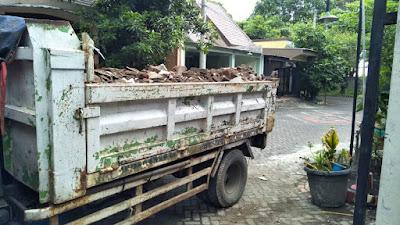 jasa-angkut-buang-puing-sampah-proyek-sukolilo-kota-surabaya-propinsi-jawa-timur