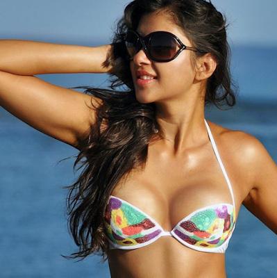 sapna vyas patel in bikini hot pic