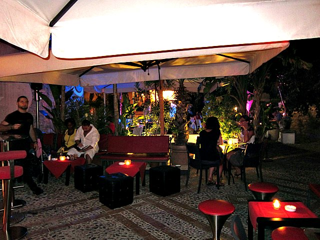 Shatulle loungebar i Taormina