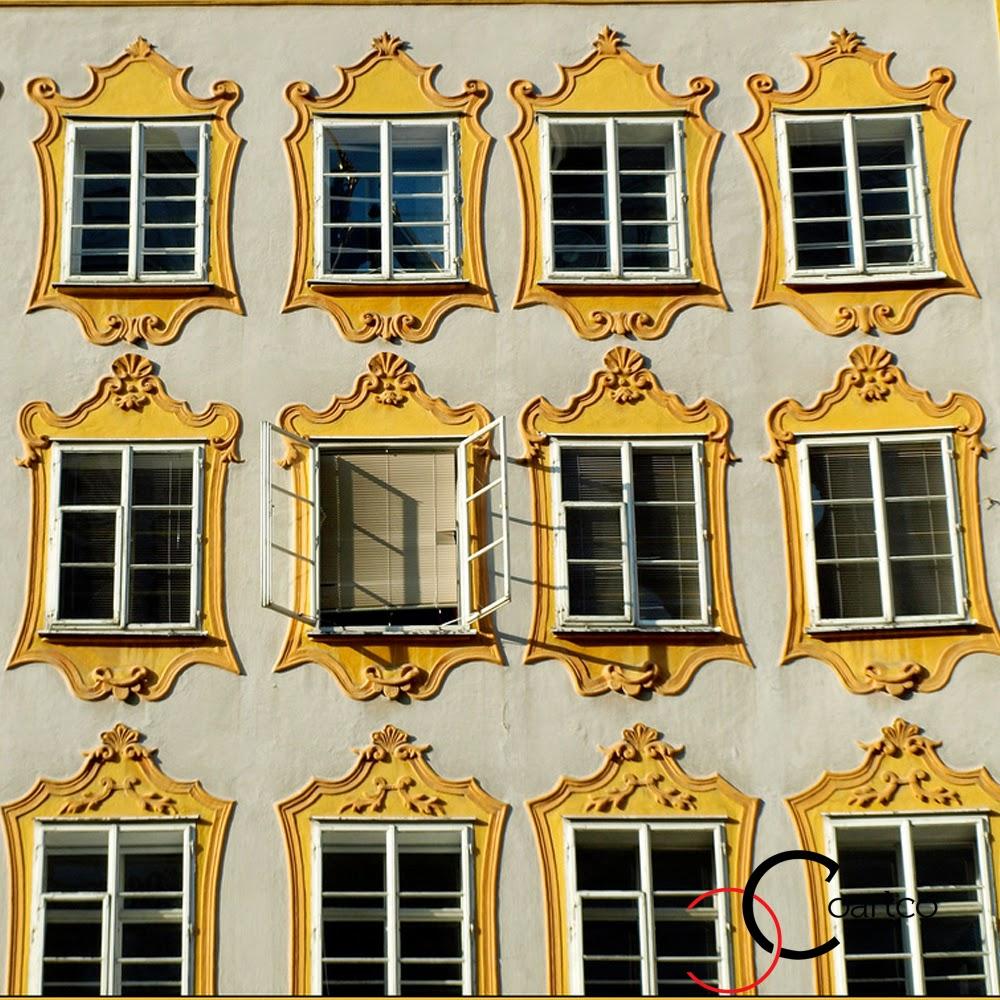 ancadramente ferestre exterior din polistiren galbene, fatade case, fatade blocuri
