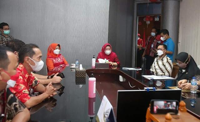 Sambut HUT ke 76 Kemerdekaan RI, Dinas Kominfo Jadi Juri Lomba Menghias Ruangan di Kantor Inspektorat Batam