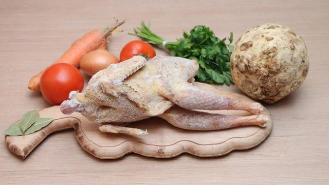 5 Tanda Ayam Sudah Tak Layak Dimakan