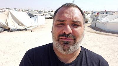 Yan Boechat em campo de prisioneiros em Al-Hawl - Divulgação/Band