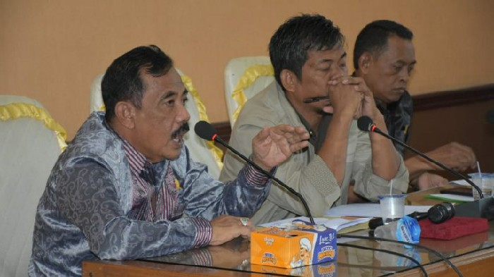 Tiga Komisi di DPRD Sinjai Raker dengan Mitra Kerja