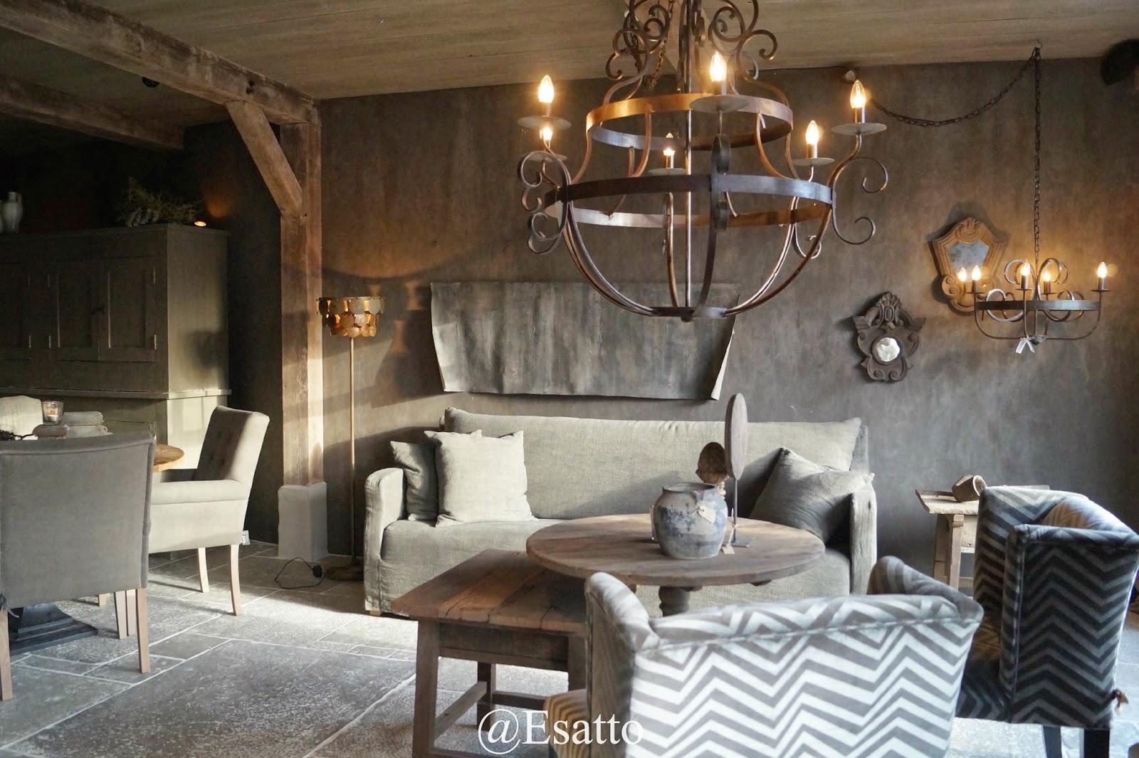 Verlichting Kleine Woonkamer : Kleine woonkamer decoreren smal klein balkon gezellig rose balkon