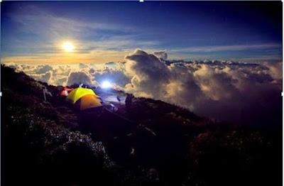 gunung Indonesia, jalur pendakian gunung, gunung terindah di Indonesia