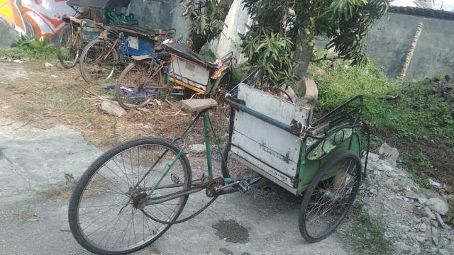 becak kendaraan yang dilupakan di bumiayu