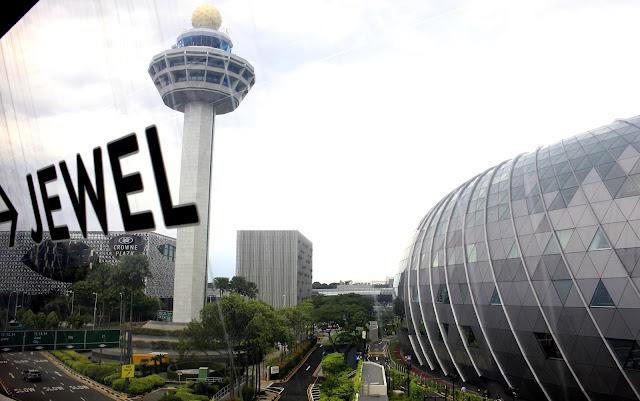 Foto-foto Wisata Jewel Changi Singapore Yang Keren