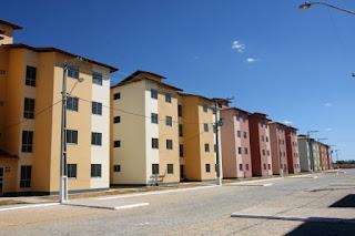 Sancionada lei que garante moradia para pessoas de baixa renda