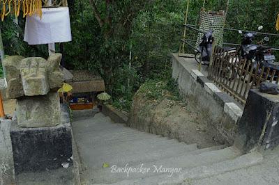 Loket masuk Air Terjun Kanto Lampo