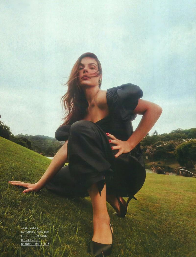 Editorial de moda com Isis Valverde em fotos incríveis