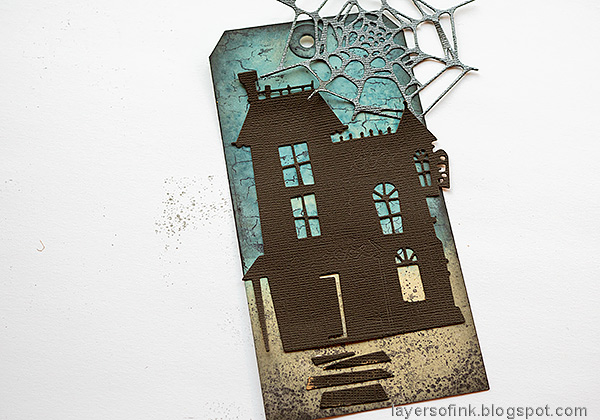 Layers of ink - Old Spooky House Tutorial by Anna-Karin Evaldsson.