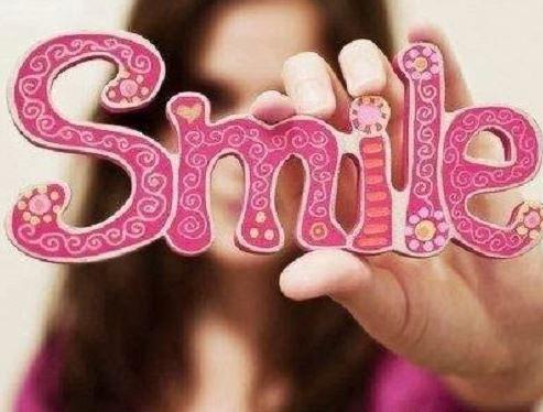 Beautiful Wallpaper smile of whatsapp dp