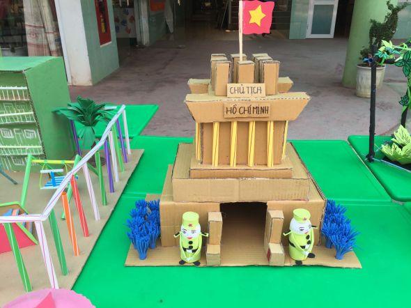 Hội thi làm đồ dùng đồ chơi sáng tạo chủ điểm nước và hiện tượng thiên nhiên