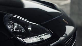 ¿Cómo pulir los faros del auto con truco casero?