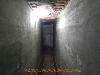 laluan sempit kubu bawah tanah