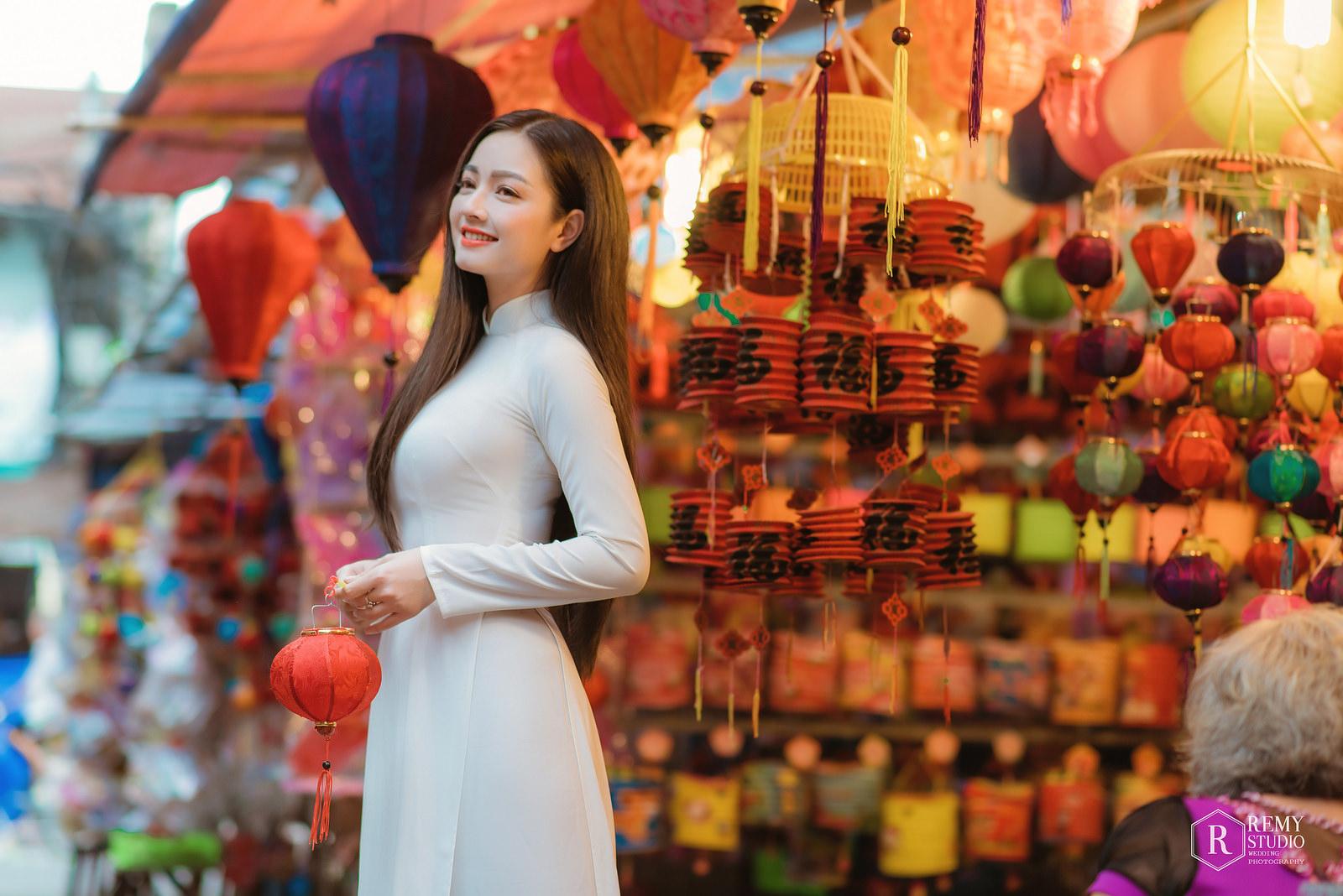 Em xinh tỏa sáng áo dài trắng ngày hội tết trung thu @BaoBua: Duyên