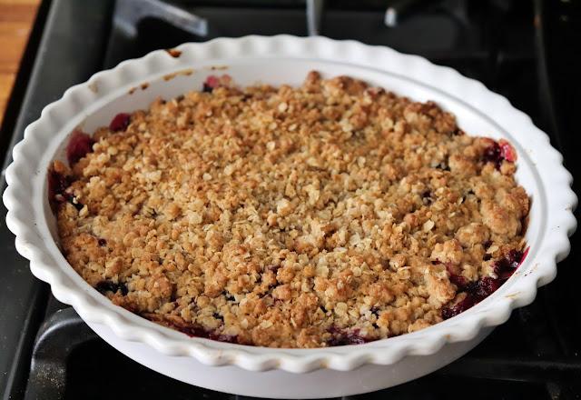 apple blueberry crisp