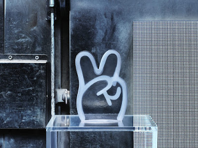 IKEA Art Event 2018 Designer Glass Figurine Collection - Peace Sign by James Jarvis
