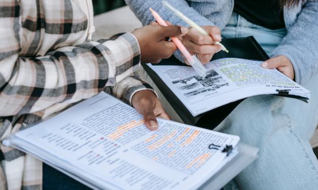 Perbedaan Skripsi, Tesis, dan Disertasi