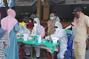 Kadis DP2KUKM Melakukan Pemantauan Pengambilan Rapid Test Terhadap 268 Pedagang di Pasar Sentral Masamba