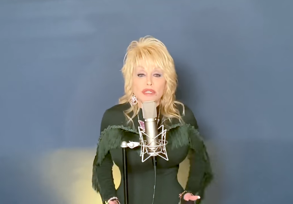 Dolly Parton interpreta una nueva canción en honor a su madre.