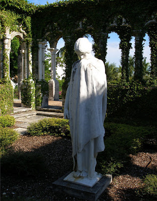 Marble statue of woman in French Cloister, Versailles Gardens, Paradise Is., Bahamas.