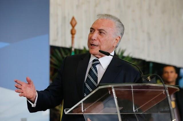 Michel Temer agradece amigos e inimigos e diz deixar Brasil melhor
