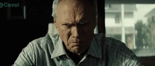 Abuelito se aburrió y salió a jugar 'Pokémon Go' en plena cuarentena y lo multaron