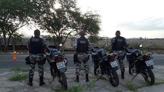 Policiais do 4º BPM prendem suspeito de furto e apreendem adolescentes com droga