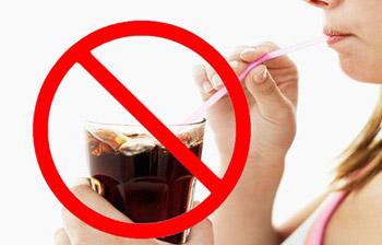 không uống nước ngọt có gas giúp giảm béo vòng eo