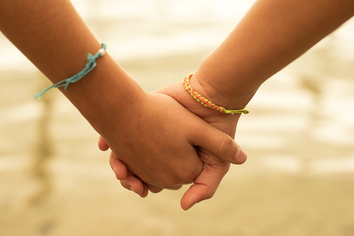 Tips Mengajarkan Sikap Saling Menghargai Pada Anak