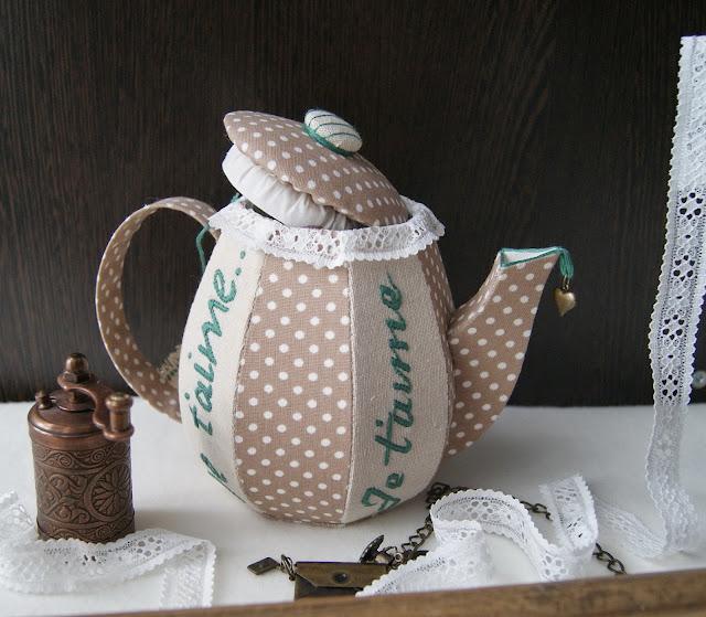 шкатулка вышивка ручная чайная шкатулка декор для кухни в горошек милый подарок я люблю тебя текстильная шкатулка декор для дома небольшой подарок кухонные аксессуары подарок на любой праздник шкатулка с вышивкой декоративный чайник чайник из ткани чайник ручной работы чайник-шкатулка конфетница ручной работы лавандовый домик oksana german