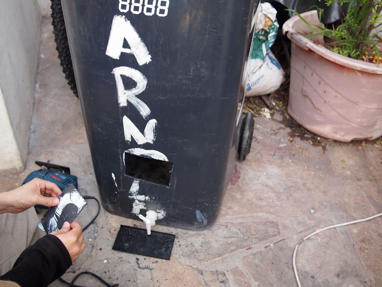 The Concrete Gardener How To Convert A 240l Trash Bin