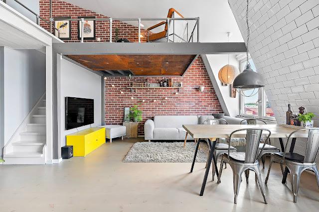Industrial pe două niveluri într-o mansardă de 58 m²
