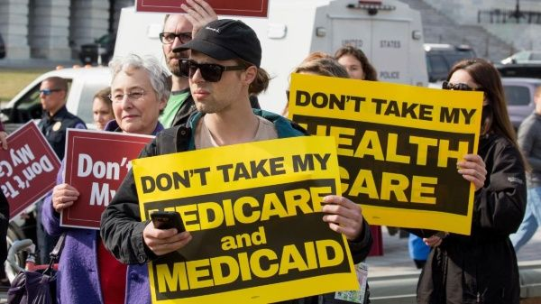EE.UU.: Beneficiarios del programa Medicaid tendrán que trabajar