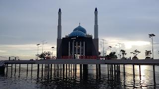 masjid amirul mukninin