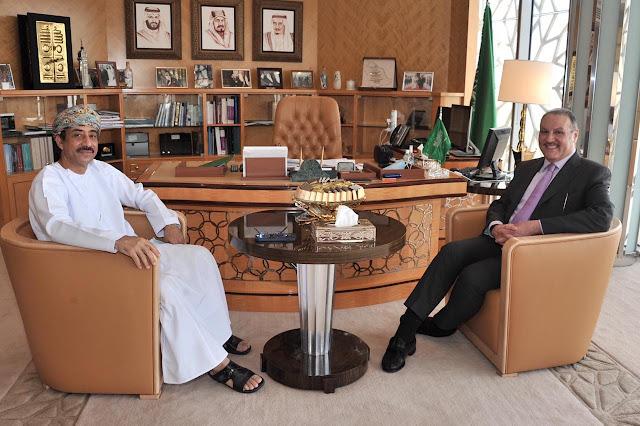 سفير المملكة في مصر يستقبل نظيره العماني