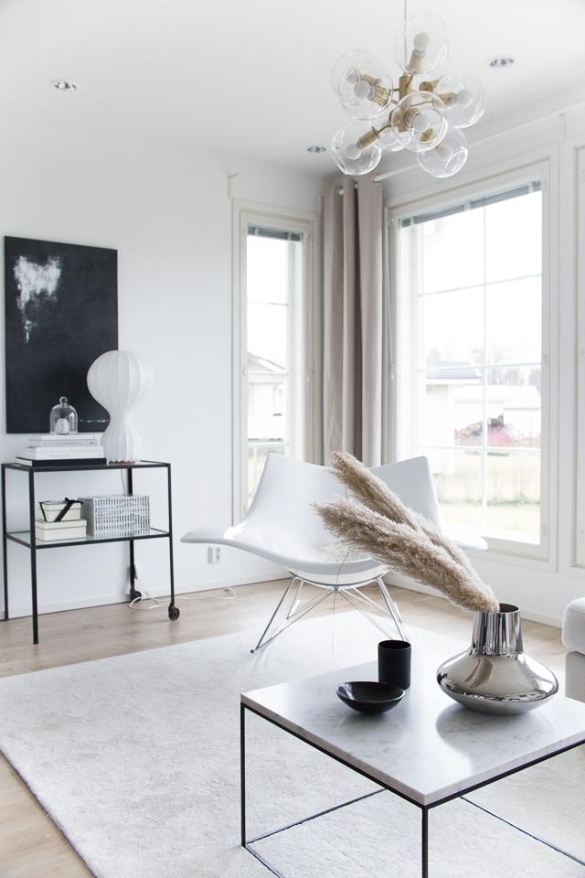 Villa H, olohuoneen sisustus, maalaus, sisustaminen