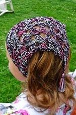 http://translate.googleusercontent.com/translate_c?depth=1&hl=es&rurl=translate.google.es&sl=en&tl=es&u=http://www.niftynnifer.com/2014/05/free-crochet-hair-kerchief-pattern-by.html&usg=ALkJrhgg0Px2uc6WBAWryNcA72OU8-FE7w