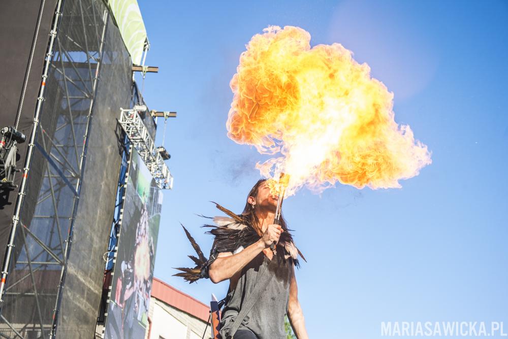 Neonfly Czad Festival Frederick Thunder fireball