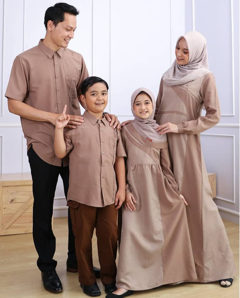 Model Baju Couple Lebaran Terbaru Dan Terbaik Tahun 2021 ...