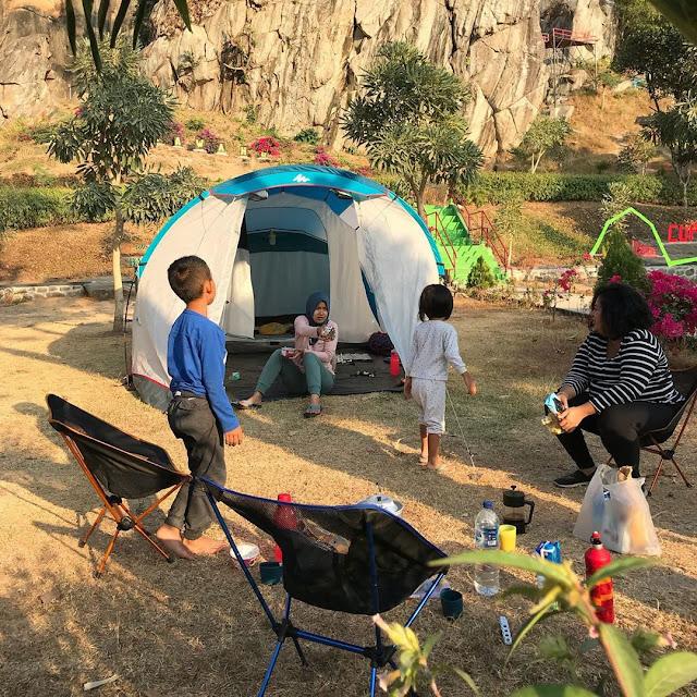 Camping di Wisata Batu Lawang
