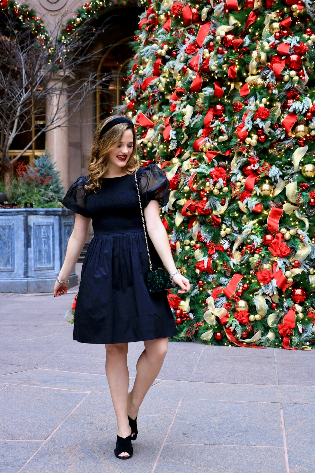 Nyc fashion blogger Kathleen Harper wearing a holiday party outfit.