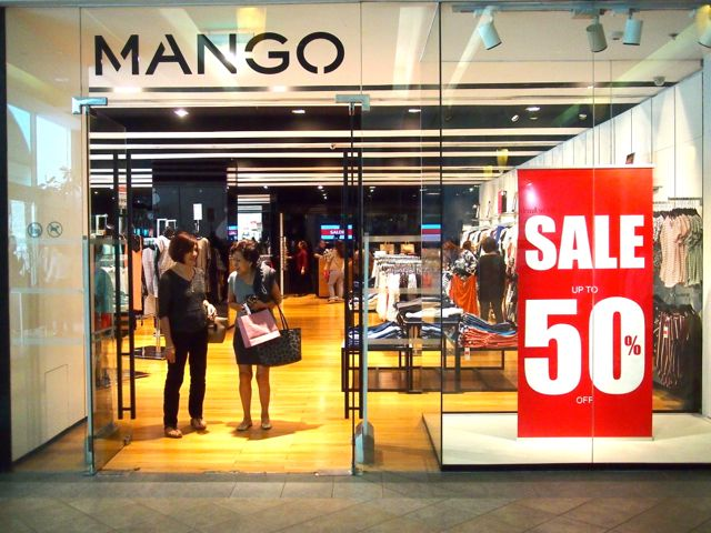Mango Weekend Sale Alert Stop what you're doing! Click here if you are planning on any online or in-store weekend shopping at Mango and get every code, deal, and discount.