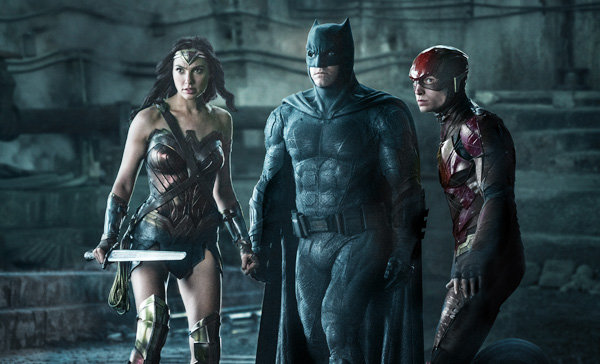 Wonder Woman (Gal Gadot), Batman (Ben Affleck) and The Flash (Ezra Miller) encounter their enemy in JUSTICE LEAGUE (2017)